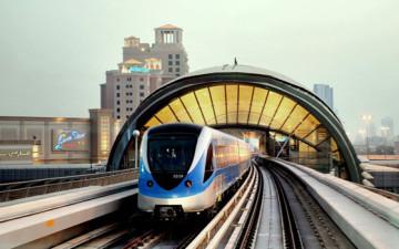 Вчера Дубаи отметил 5-летний юбилей метро раздачей золота, серебра и подарков на станциях