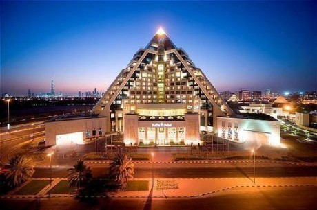 Отель Raffles Dubai – это воплощение арабской сказки и восточной роскоши.