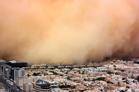 Песчаная буря в Дубаи