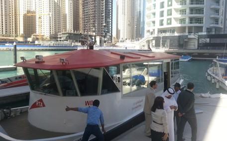 Водный трамвай в Дубаи