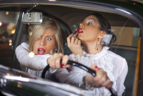Женщина за рулем в Дубаи