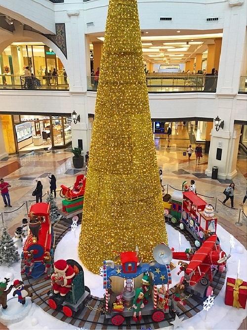 Золотая елка в Дубаи
