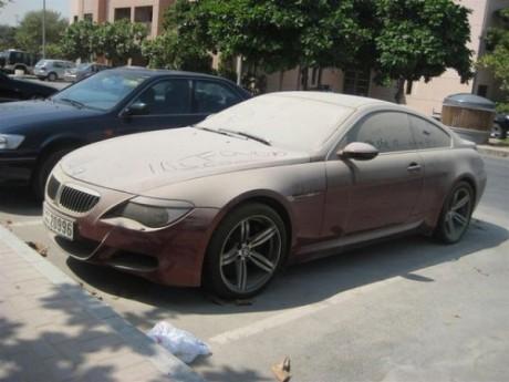 Брошенные авто в Дубаи