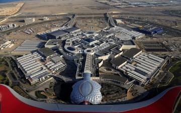 В Абу-Даби открыли самый большой торговый центр — Yas Mall