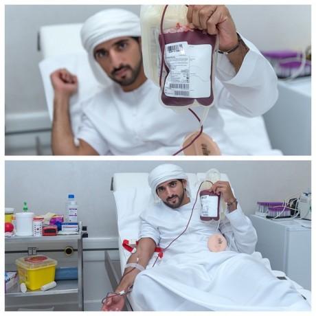 Принц Дубаи сдает кровь