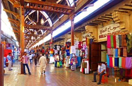 Текстильный рынок в Дубаи