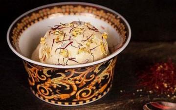 В кафе в Дубае посетителям предлагают самое дорогое в мире мороженое стоимостью 817 долларов