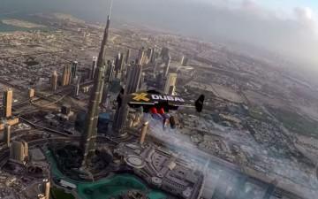 Невероятные полеты с помощью реактивных ранцев над Дубаи (ВИДЕО)