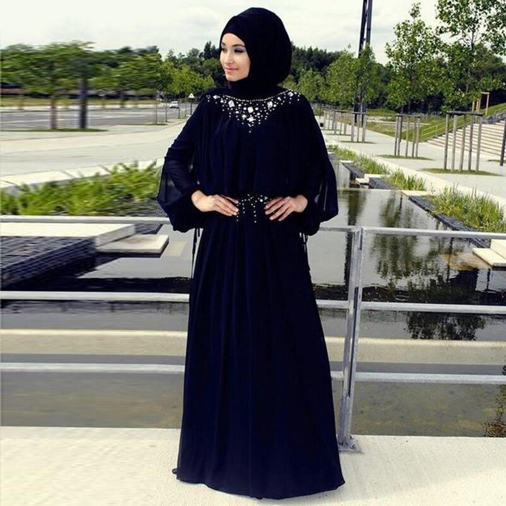 хиджаб, украшенный камнями