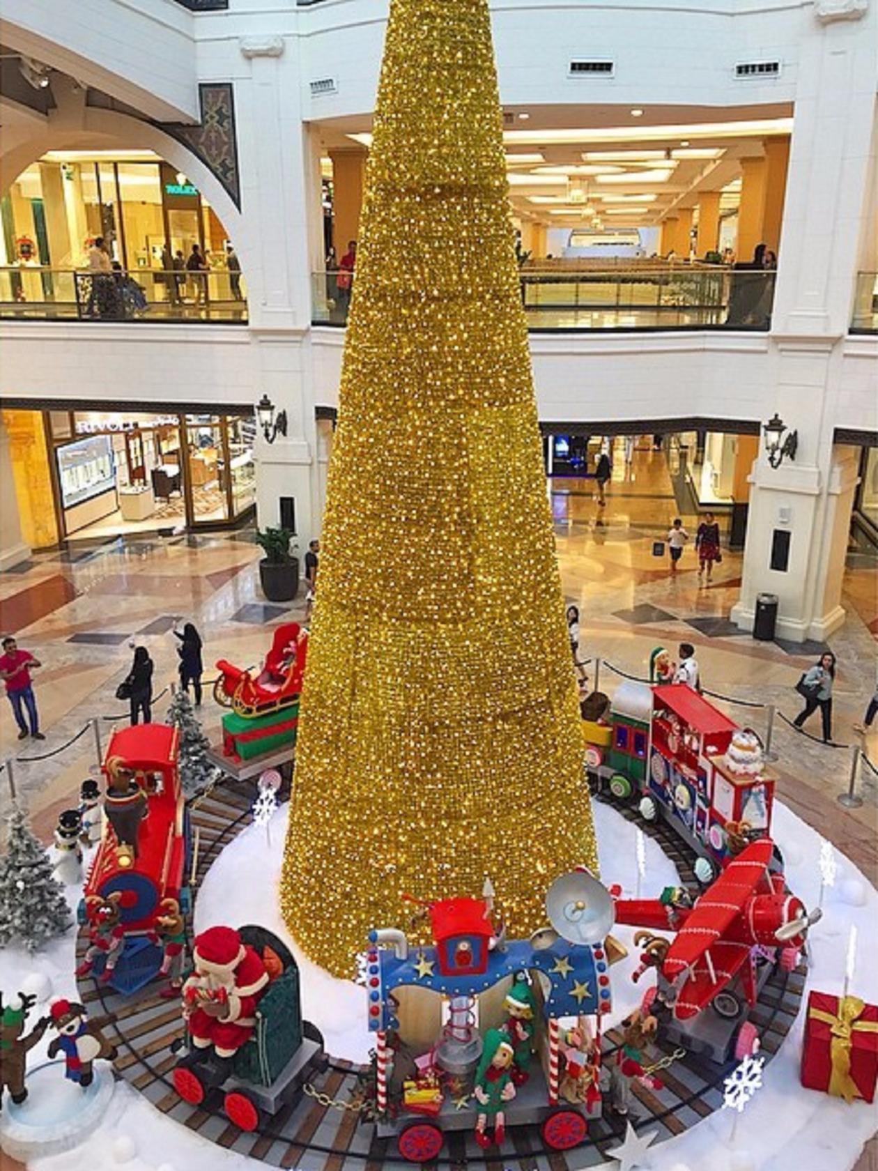 елка в Дубае