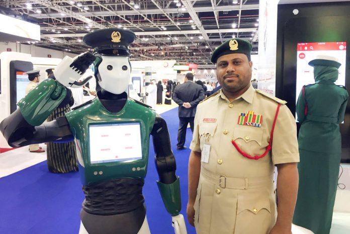 Роботы полицейские в Дубае