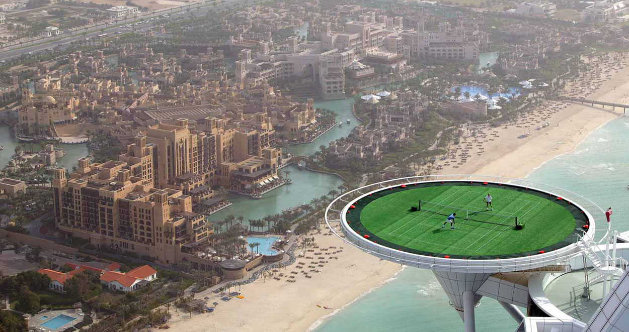 Теннисная площадка в Бардж Аль Араб