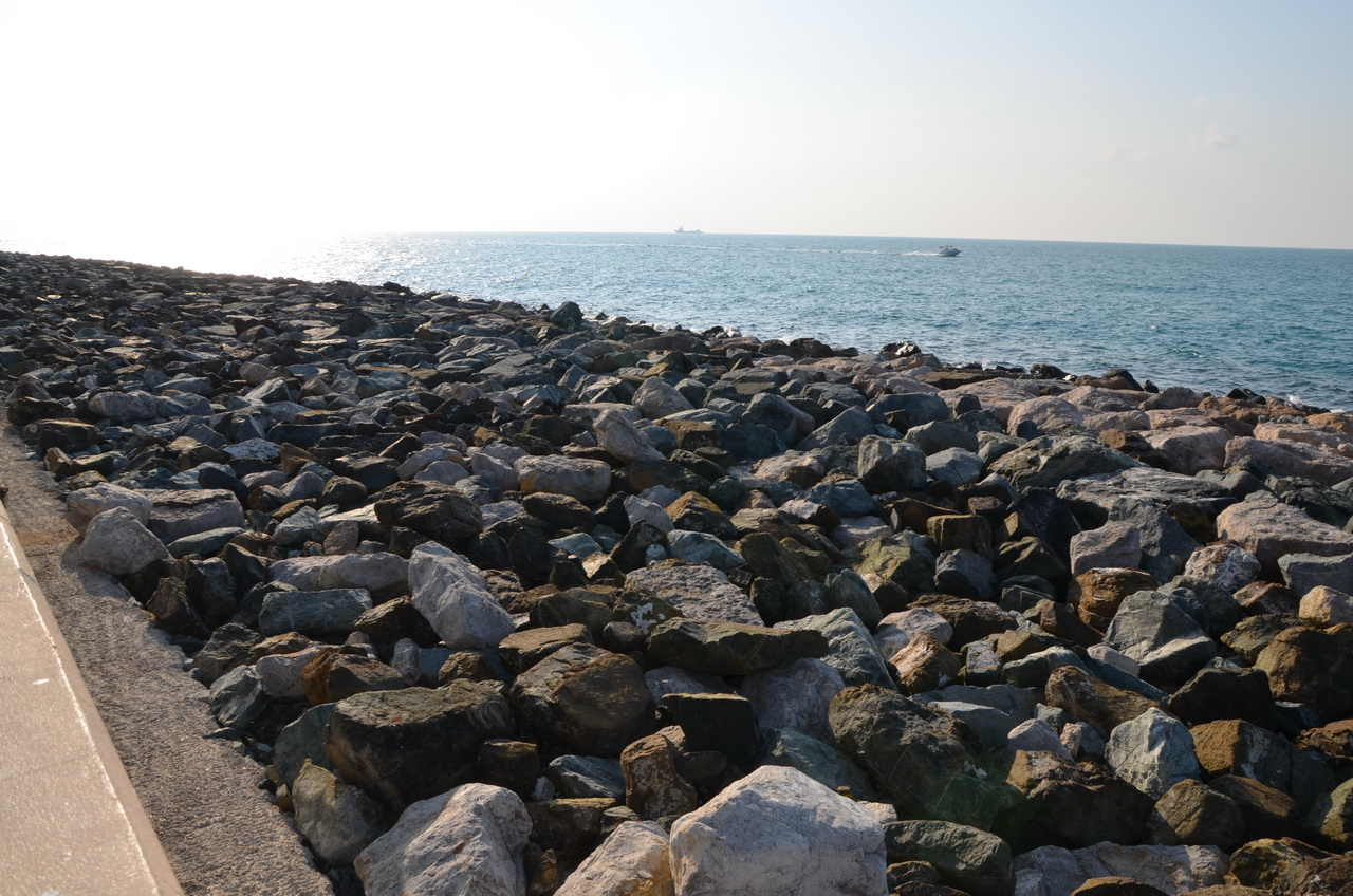 Берег острова Palm Jumeirah