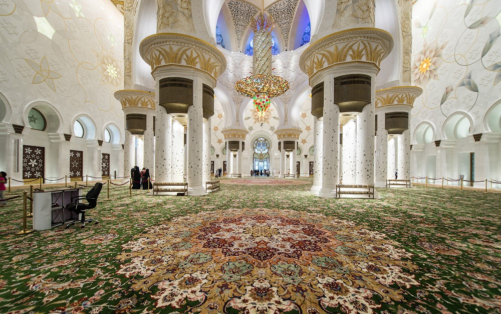 ковер в мечети шейха Заида