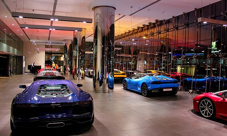 В Дубае открылся крупнейший в мире салон Lamborghini