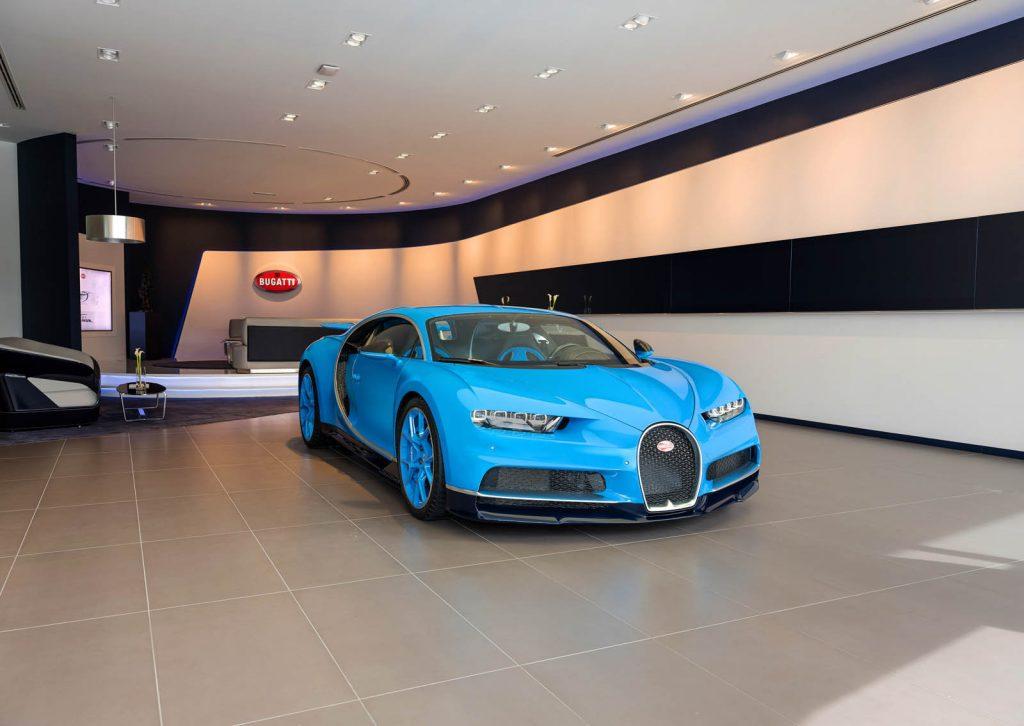 В Дубае открыли крупнейший в мире автосалон Bugatti