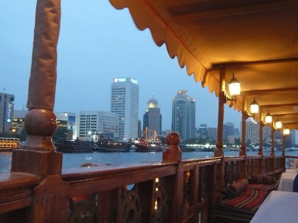экскурсия на лодке в Дубае
