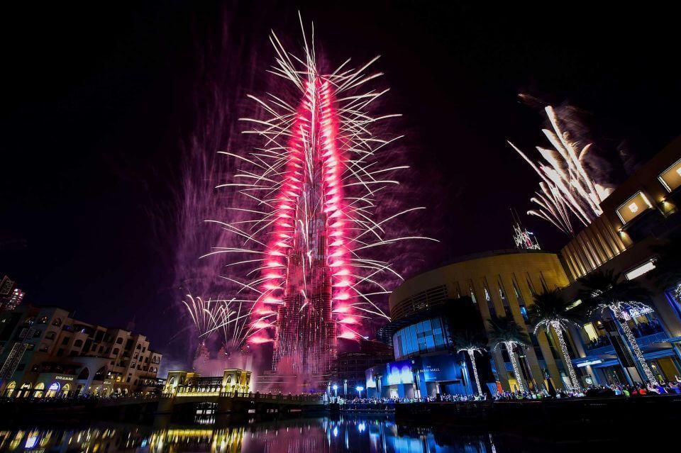 Дубай новый год 2017 видео real estate stoliv