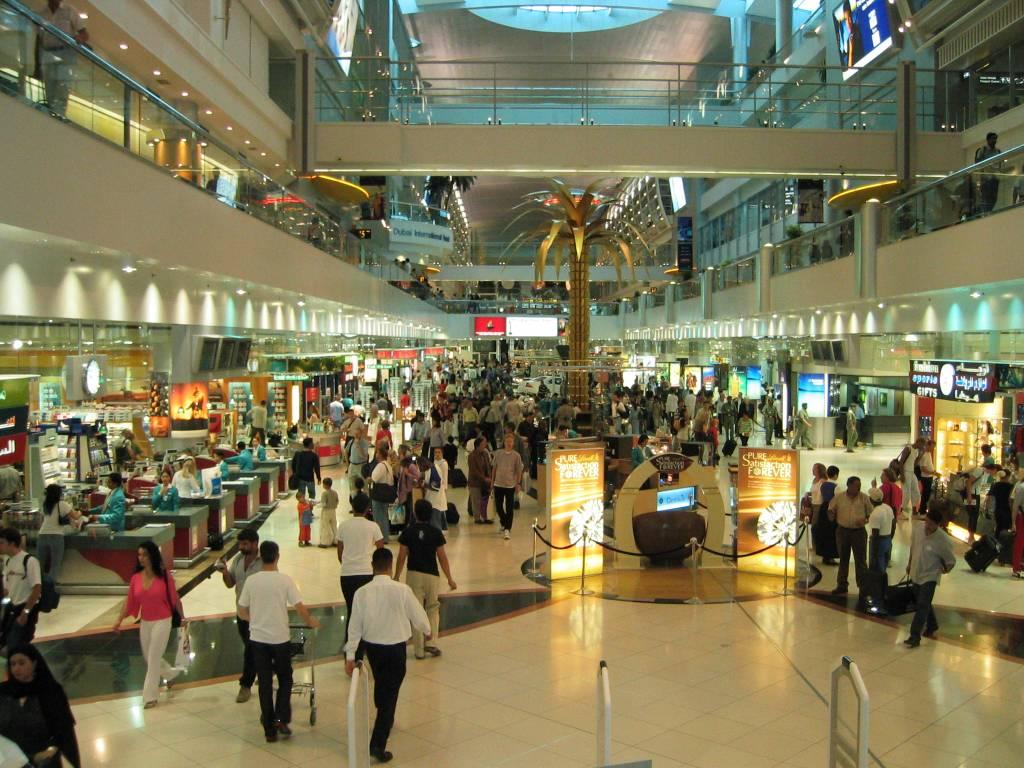 shopping in dubai Dubai shopping tour from us$48,00 more info dubai shopping tour (private & custom tours) from us$48,00 more info dubai mall shopping and burj khalifa at the.