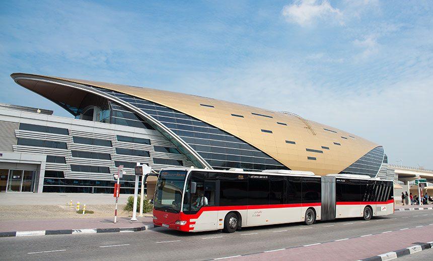 Автобусы в аэропорту Дубаи